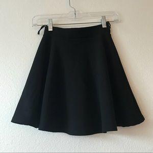 Short circle/skater black skirt